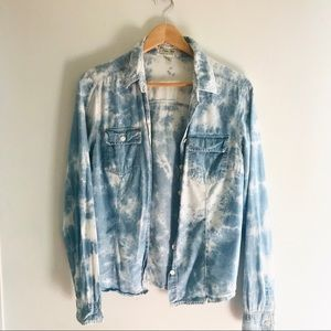 Pastel Blue and White Tie Dye Button Up size L💕